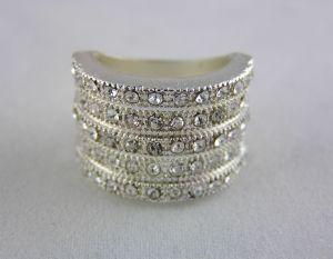 Kamínkový prstýnek stříbrné barvy