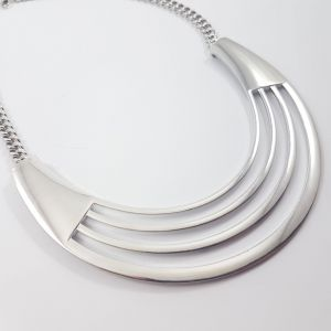 Masivní kovový náhrdelník ocel