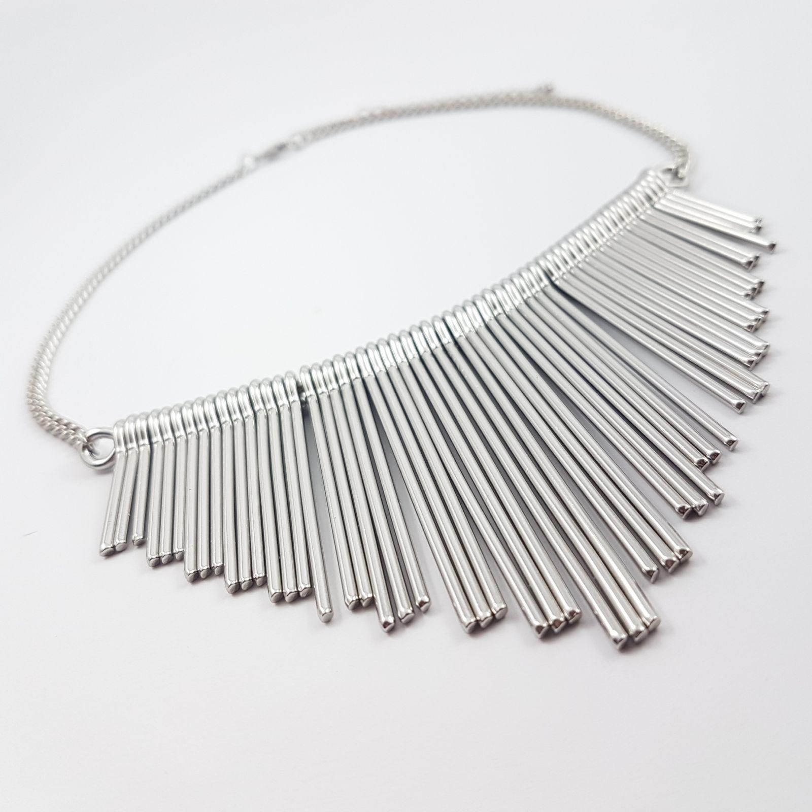 Masivní kovový náhrdelník
