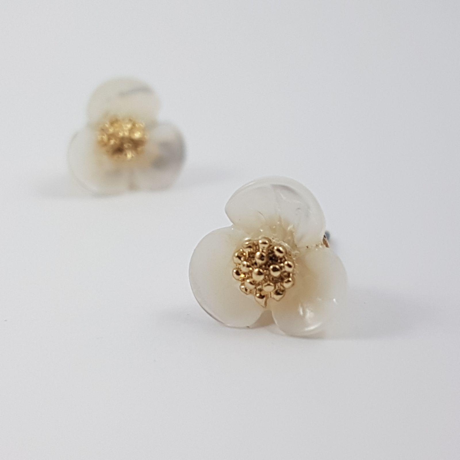 Náušnice s bílými květy GIIL