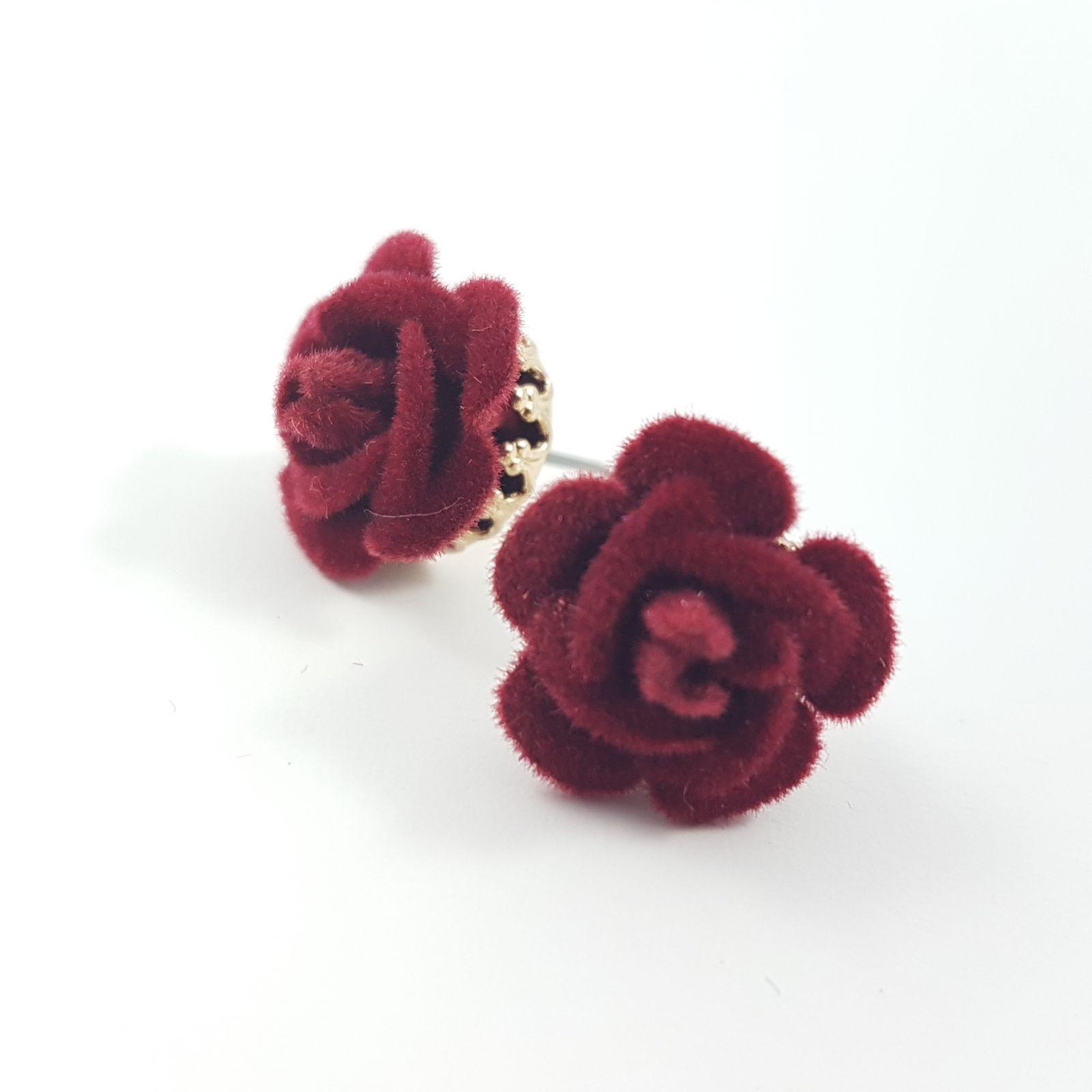 Náušnice s plyšovou růží GIIL