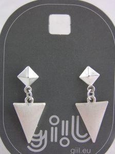 Stříbrné visací náušnice pyramida s trojúhelníkem