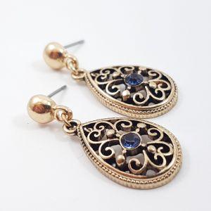 Zlatavé náušnice s ornamentovým vzorem