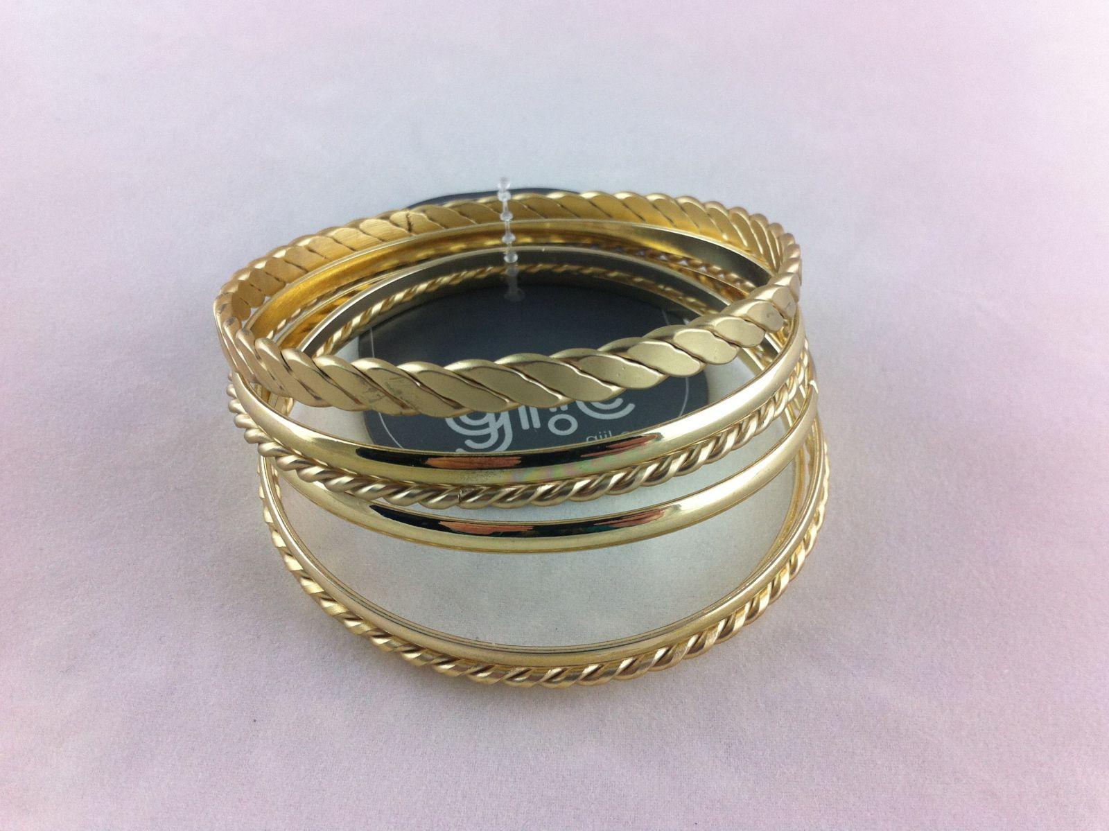 Zlaté navlékací náramky s různými motivy GIIL