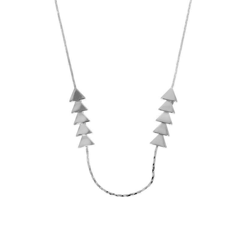 Stříbrný náhrdelník se šipkami