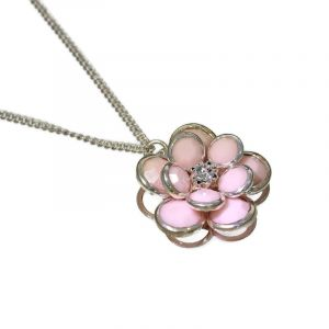 Růžový náhrdelník s kytičkou 1