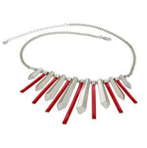 Červený náhrdelník s čepelemi