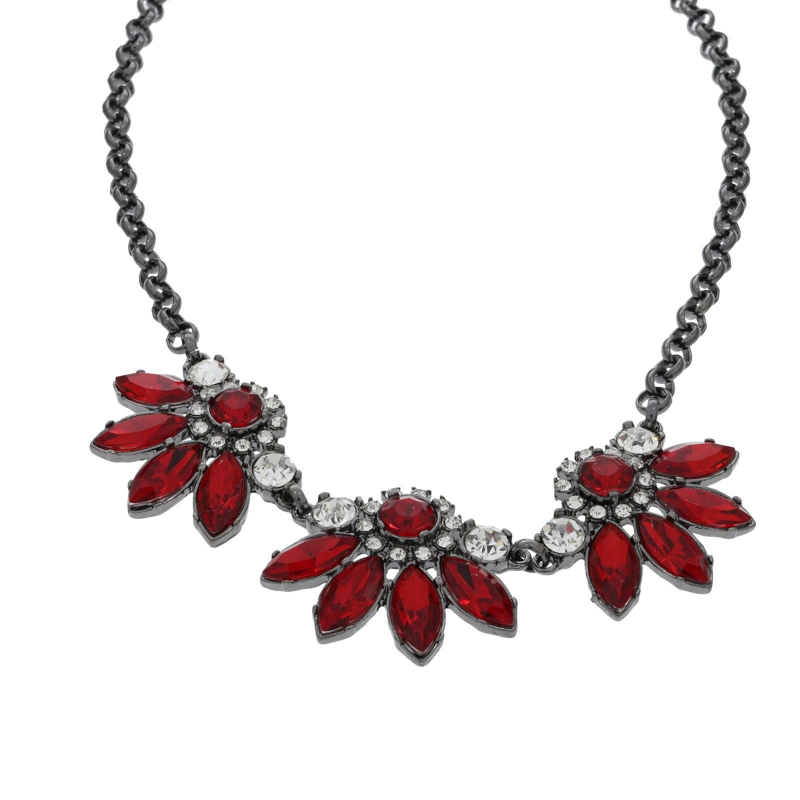 Náhrdelník s červenými půlkvěty