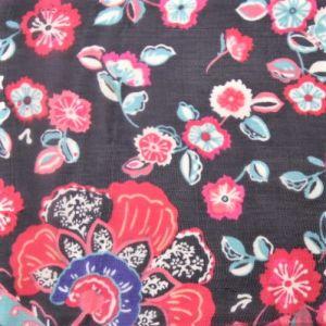 Barevný květinový čtvercový šátek s třásněmi Giil