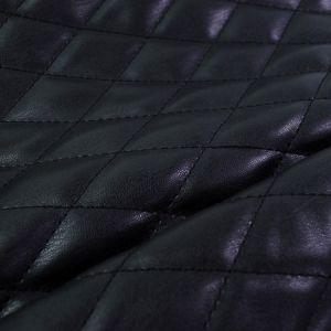 Černá prošívaná kabelka 1