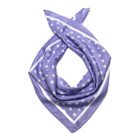 Šátek se sedmikráskami