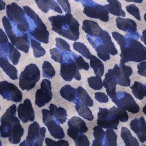 Tmavě modrý šátek s flekatým vzorem