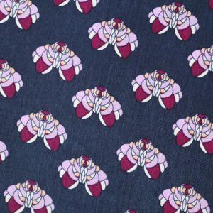 Modrý šátek s fialkovým vzorem 1