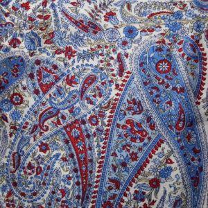 Modrý šátek s květinovým vzorem 1