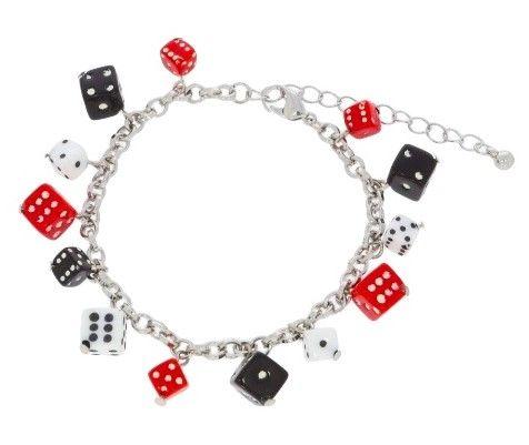 Náramek s červenými, černými a bílými kostkami