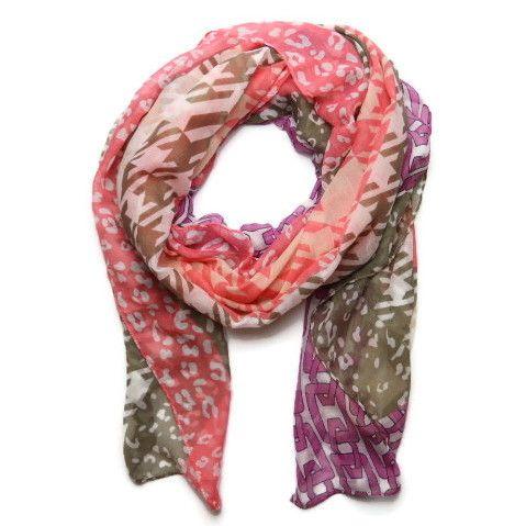 Šátek s barevnými vzory