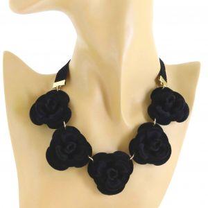 Náhrdelník černé růže1