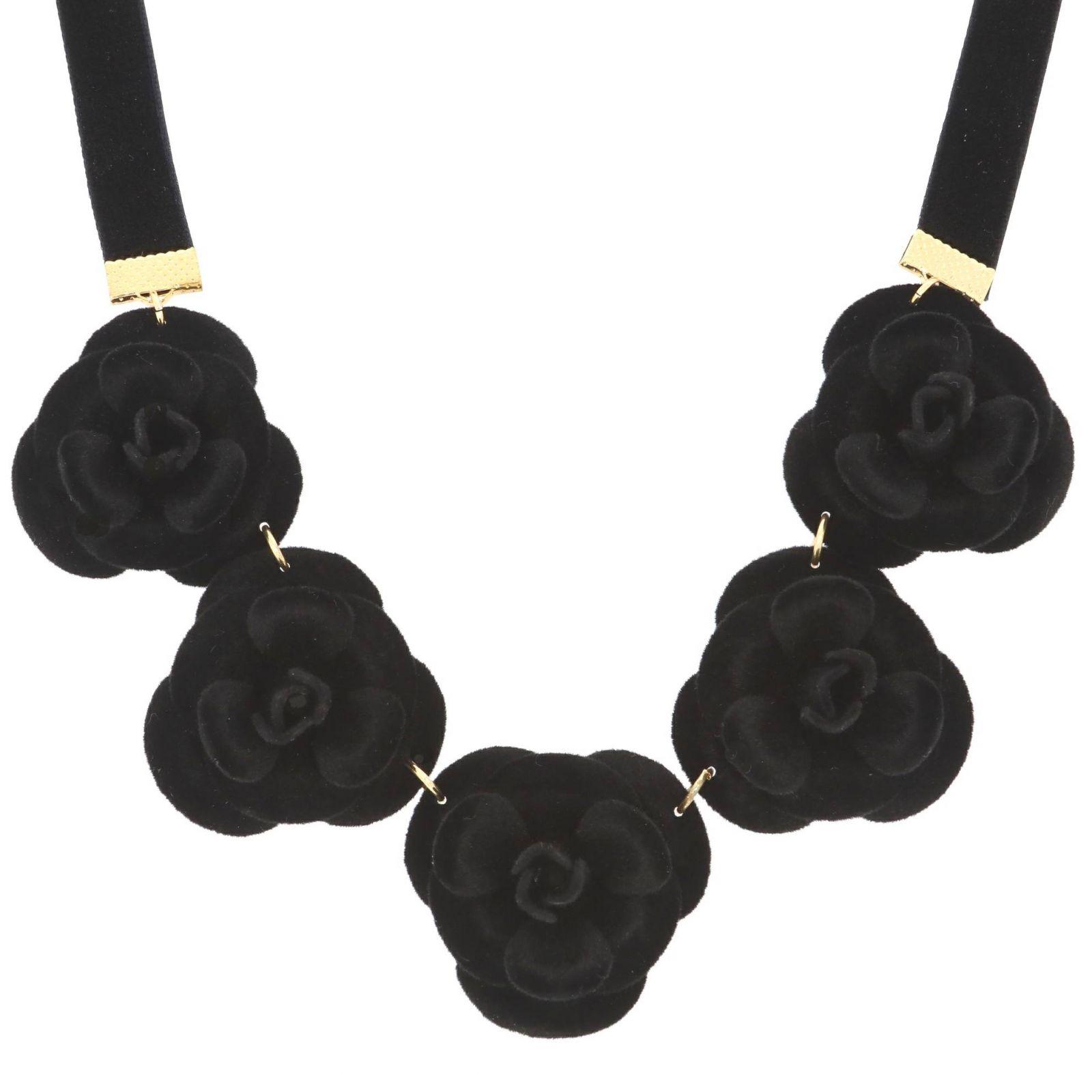 Náhrdelník černé růže
