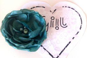 Brož zelená květina