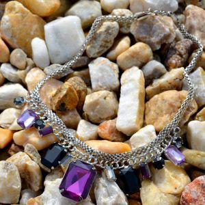 Fialový náhrdelník s kameny