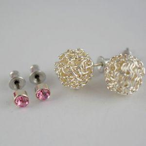 Růžové pecičky a drátěné perličky