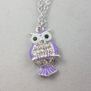 Stříbrný náhrdelník s fialovou sovičkou