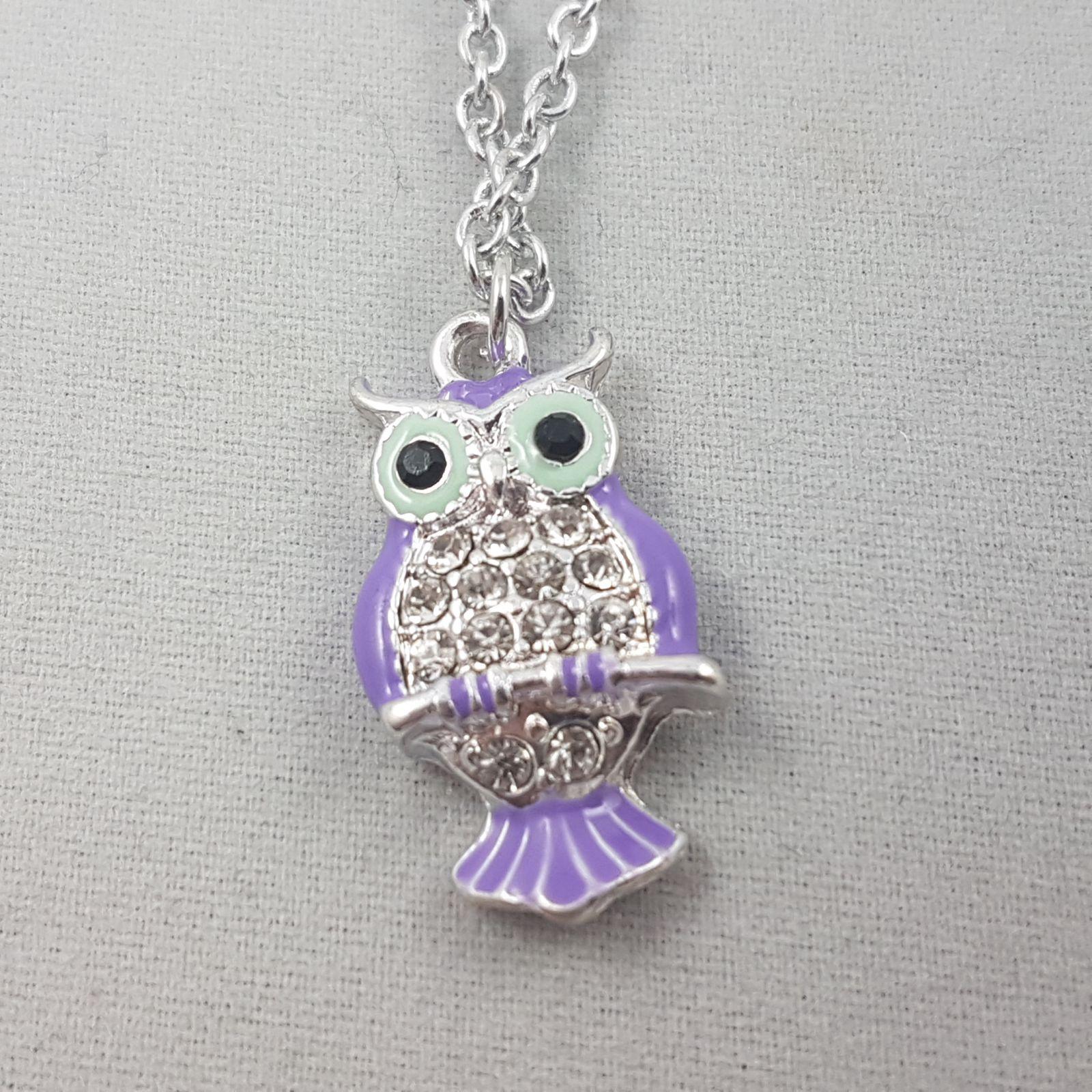 Stříbrný náhrdelník s fialovou sovičkou GIIL