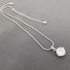 Jemný náhrdelník se zirkonem