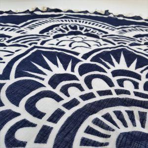 Šátek ve tvaru mandaly - zářící květ GIIL