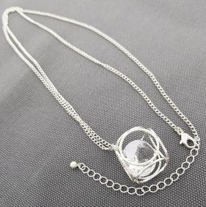 Dlouhý stříbrný náhrdelník s kostkou a kamenem GIIL