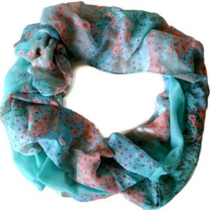 Zelenkavý šátek s oranžovým zdobením GIIL