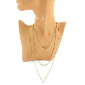 Zlatý náhrdelník s ozdobami různých geometrických tvarů 3