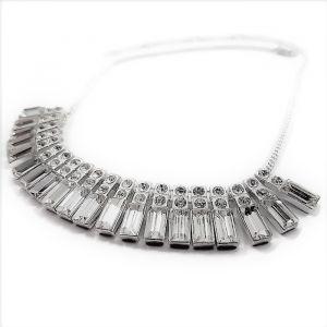 Kovový náhrdelník s kamínky