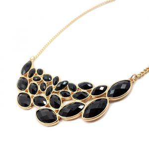 Masivní náhrdelník s černými kamínky