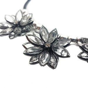 Náhrdelník s kamínkovými květy