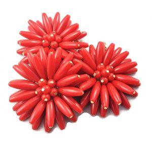 Náhrdelník s masivními červenými kytkami