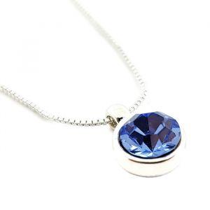 Náhrdelník se světle modrým kamínkem