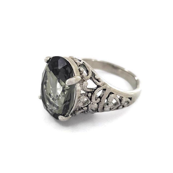 Černý prstýnek s kamínkem GIIL