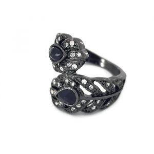Černý smotaný prstýnek s kamínky