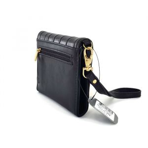 Malá černá peněženka se zlatým kováním Ystrdy