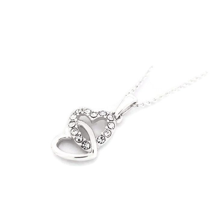 Jemný náhrdelník se dvěma srdíčkama ve stříbrné barvě