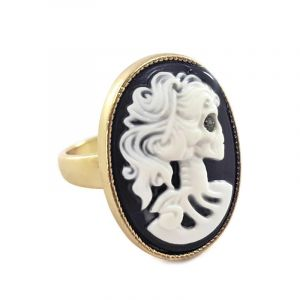 Prsten kamej s elegantní lebkou
