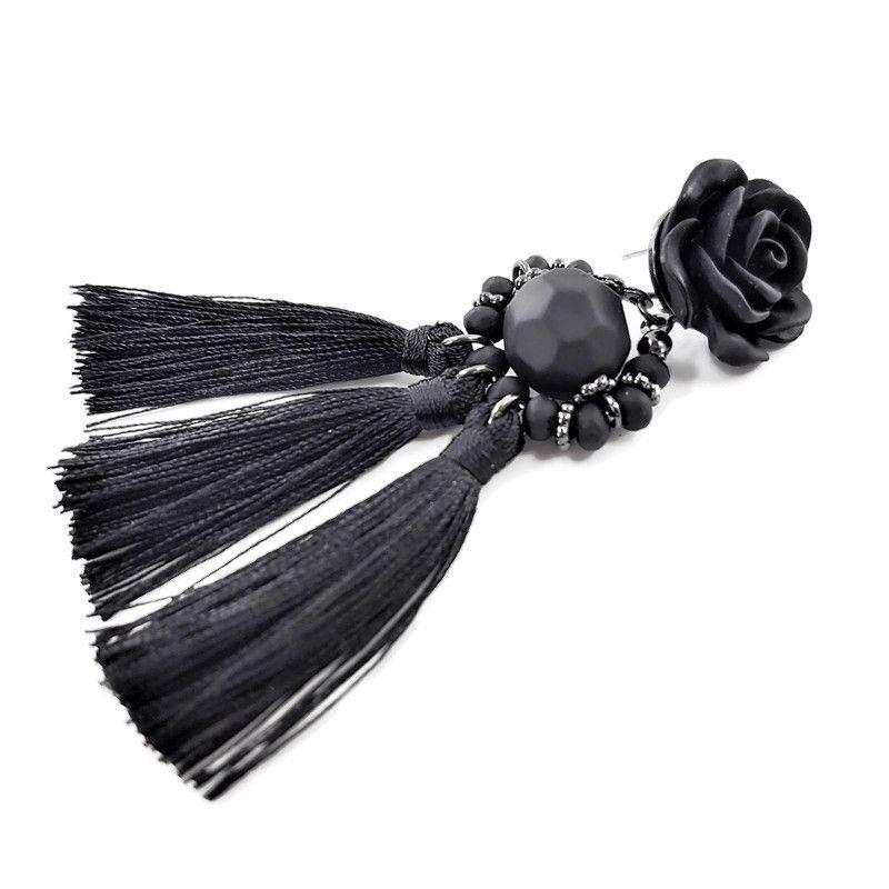Černá růže se střapcem